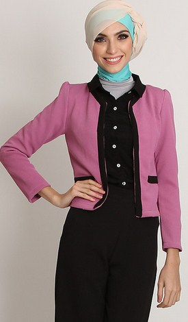 Gambar Contoh Model Blazer Muslim Terbaik 2 - Kombinasi Celana kain ala Pinkemma